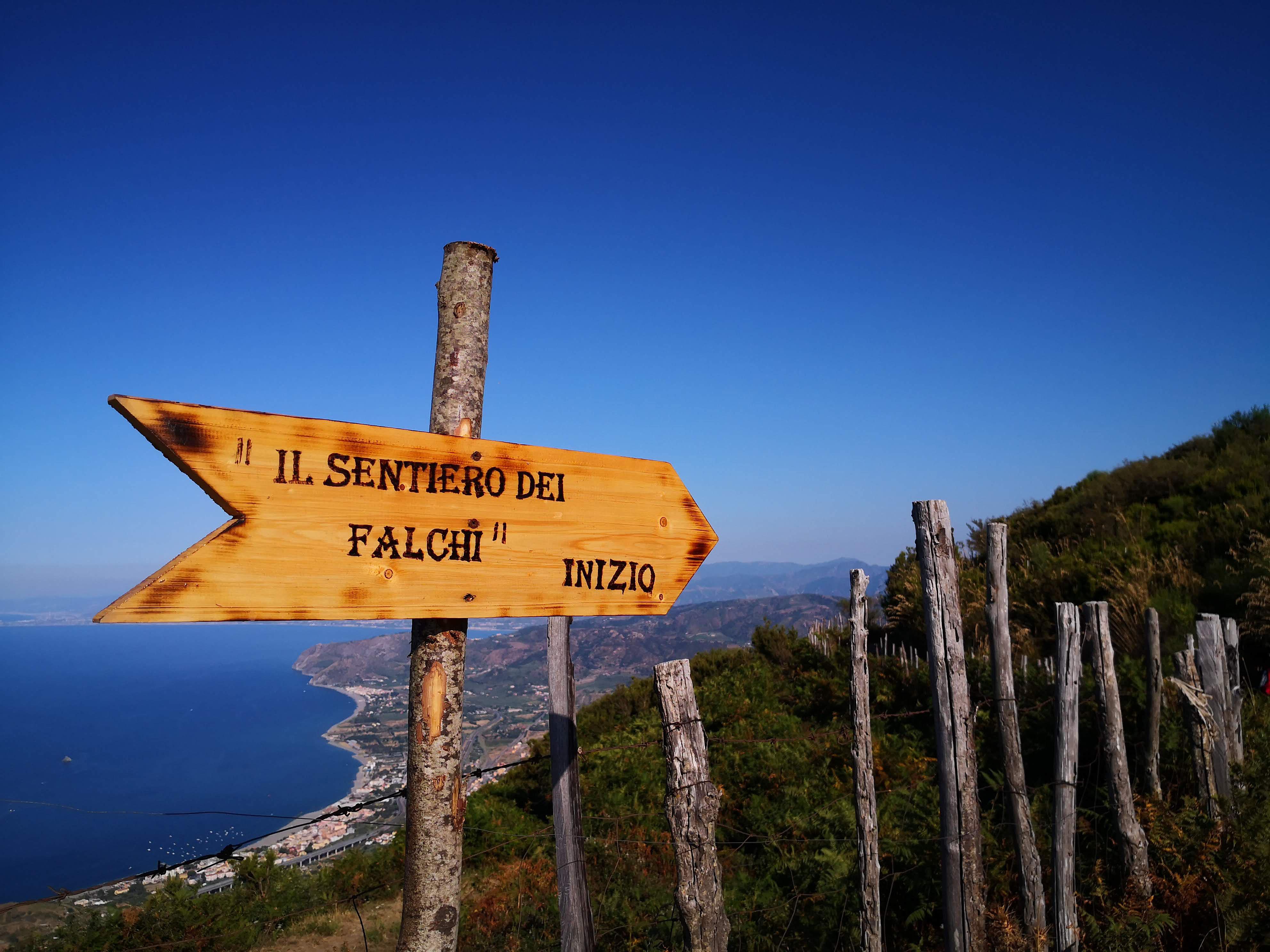 Gioiosa Guardia, trekking sul Sentiero dei Falchi